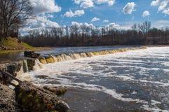 Cascada en Kuldiga, Letonia Imágenes de archivo libres de regalías