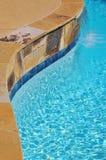 Cascada en la piscina imagen de archivo libre de regalías