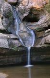 Cascada en las colinas S.P. de Hocking. Imágenes de archivo libres de regalías