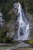 Cascada en Milford Sound Imágenes de archivo libres de regalías