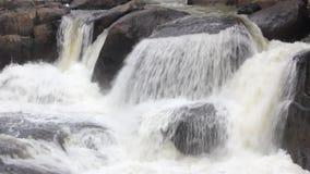 Cascada en Nakornnayok, Tailandia almacen de metraje de vídeo
