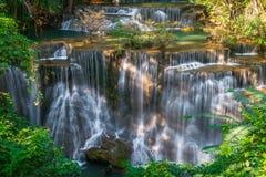 Cascada en Tailandia, llamada khamin de los mae de Huay o de Huai en Kanchan fotos de archivo libres de regalías