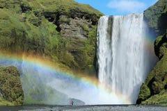 Cascada famosa de Skogafoss en Islandia Fotos de archivo libres de regalías