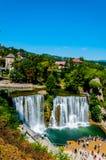 Cascada famosa en la ciudad de Jajce imagen de archivo libre de regalías
