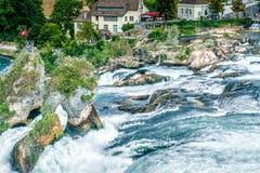 Cascada famosa en suizo fotografía de archivo