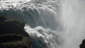 Cascada gigante en la cámara lenta metrajes