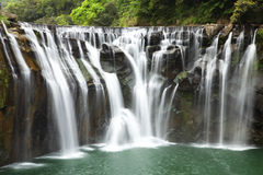 Cascada hermosa Fotos de archivo