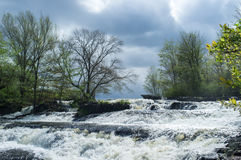 Cascada hermosa de la primavera Imagen de archivo
