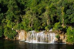 Cascada hermosa de Siyoke Yai Fotos de archivo libres de regalías