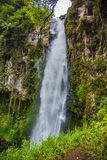 Cascada hermosa en Sumatra Imagen de archivo libre de regalías