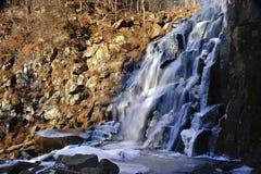 Cascada hermosa gorbatiy Foto de archivo libre de regalías