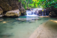 Cascada hermosa, parque nacional de Erawan, Tailandia Fotografía de archivo