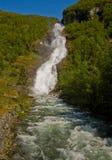 Cascada Hjellefossen en Noruega Fotografía de archivo