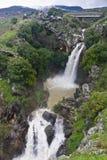 Cascada que rabia Imagenes de archivo