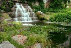 Cascada rocosa Foto de archivo libre de regalías