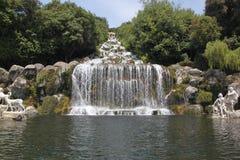 Cascada - Royal Palace y jardines - Caserta Foto de archivo libre de regalías