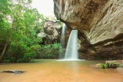 Cascada Sangchan la cascada del agujero foto de archivo