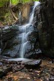 Cascada Skakalo en las montañas cárpatas, Transcarpathia Fotografía de archivo libre de regalías