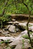 Cascada sobre rocas Imagen de archivo libre de regalías