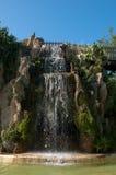 Cascada y gruta en el parque de Genoves de Cádiz Foto de archivo
