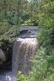 Cascada y puente Imagen de archivo libre de regalías