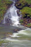 Cascada y río Foto de archivo