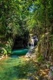 Cascada y río cubanos Imagen de archivo libre de regalías