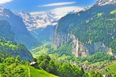 Cascada y valle Imagen de archivo libre de regalías