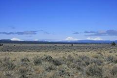 Cascadas centrales de Oregon y alto desierto imagenes de archivo