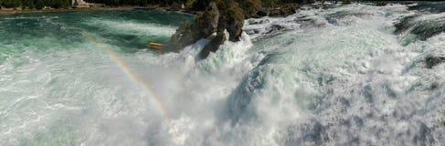 Cascadas del Rin en el detalle de Suiza Fotografía de archivo