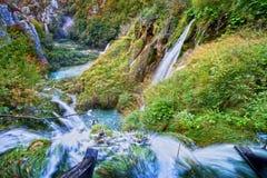 Cascadas del valle del otoño Fotos de archivo
