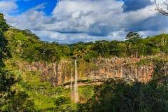 Cascadas escénicas de Chamarel en la selva de la isla de Mauricio Fotografía de archivo libre de regalías