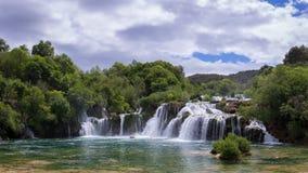 Cascadas escénicas en el parque nacional de Krka, Croacia Foto de archivo libre de regalías