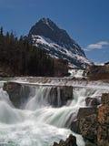 Cascadas y Mountaint Imagen de archivo libre de regalías