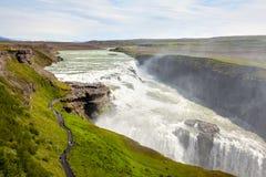 Cascade à écriture ligne par ligne de Gullfoss en Islande image stock