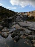 Cascade à écriture ligne par ligne en Irlande photographie stock libre de droits
