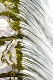 Cascade à écriture ligne par ligne Photos libres de droits