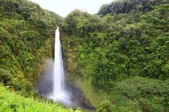 Cascade à écriture ligne par ligne - Akaka tombe Hawaï Photo stock