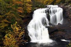 Cascade à écriture ligne par ligne - automnes chauves de fleuve, Tennessee Photographie stock libre de droits