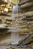 cascade à écriture ligne par ligne bavaroise de forêt Image stock