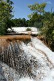 Cascade à écriture ligne par ligne d'Azul d'Agua, Mexique Images stock