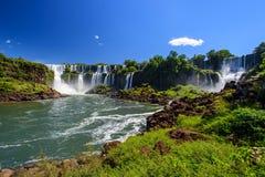 Cascade à écriture ligne par ligne d'Iguazu en Argentine Images libres de droits