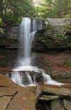 Cascade à écriture ligne par ligne de Catskills Images stock