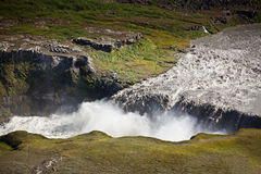 Cascade à écriture ligne par ligne de Dettifoss en Islande Photos libres de droits