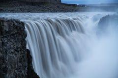 Cascade à écriture ligne par ligne de Dettifoss, Islande Images libres de droits