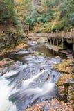 cascade à écriture ligne par ligne de fleuve de bushkill Images libres de droits