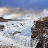 Cascade à écriture ligne par ligne de Gulfoss en Islande Photographie stock