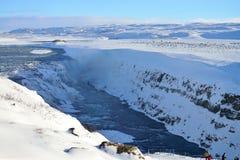 Cascade à écriture ligne par ligne de Gullfoss en Islande Photo libre de droits