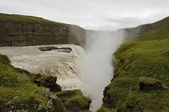 Cascade à écriture ligne par ligne de Gullfoss, Islande. Photos stock