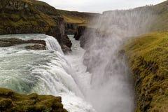 Cascade à écriture ligne par ligne de Gullfoss, Islande Photos stock